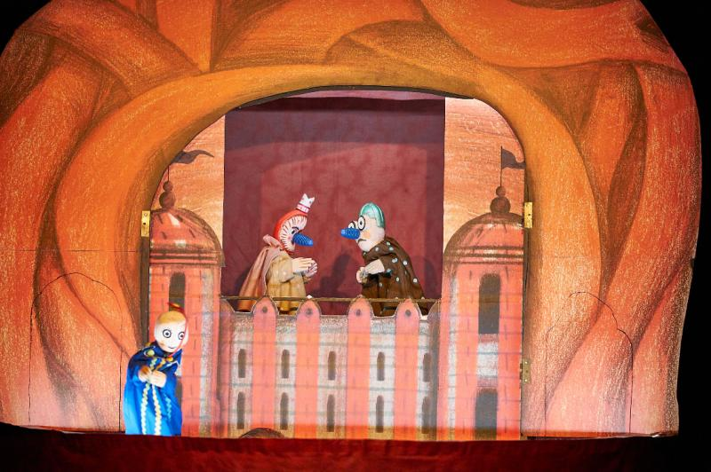 GARBANCITO EN LA BARRIGA DEL BUEY - Marionetas